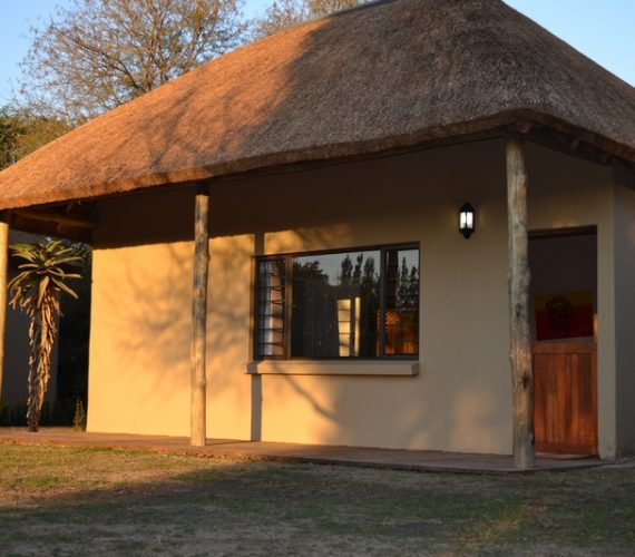 NEW Valencia Huts – Awesome Addo Accommodation